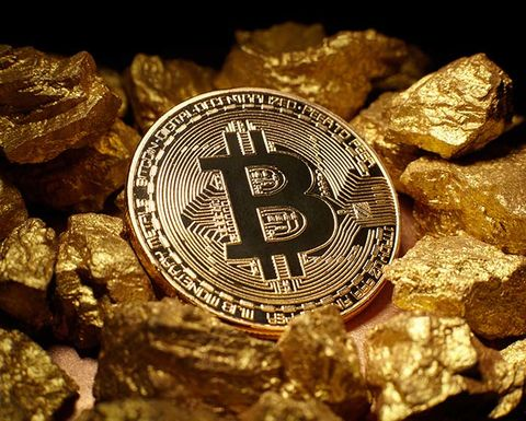 Gold unloved as bitcoin hits high