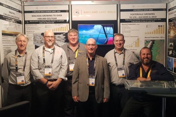 he irkland ake team at the booth ourtesy irkland ake