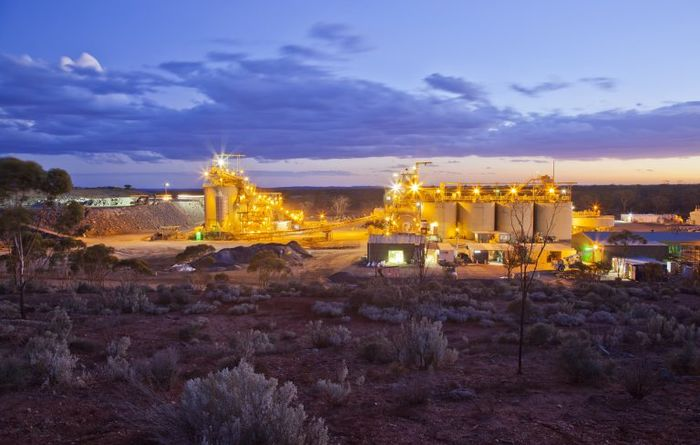 Mincor pours first gold