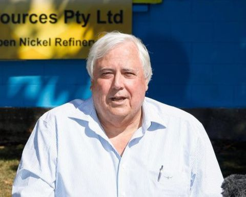 Palmer in spats with Qld, WA governments