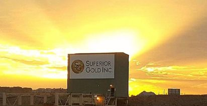 Superior extends Plutonic at depth