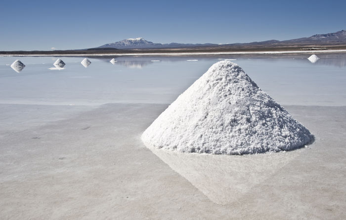 WoodMac sees lithium, cobalt prices falling further