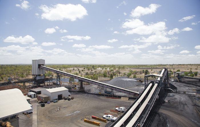 New Anglo mine starts production