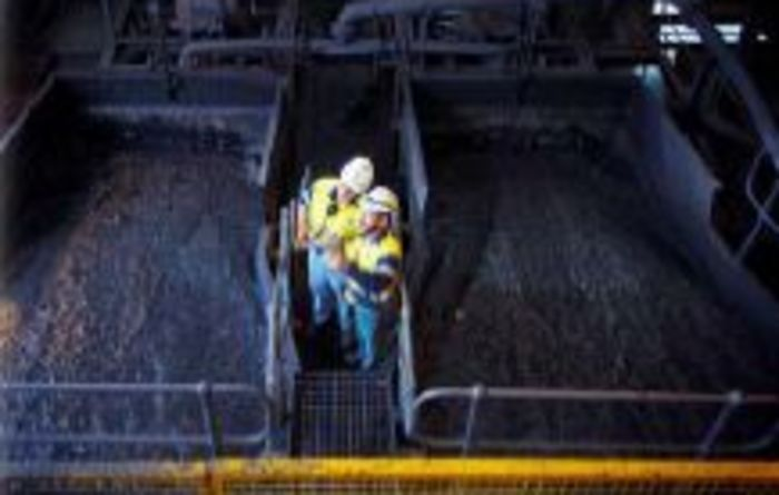 Xstrata gets back behind Qld coal