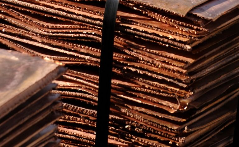 Copper price recovery under pressure