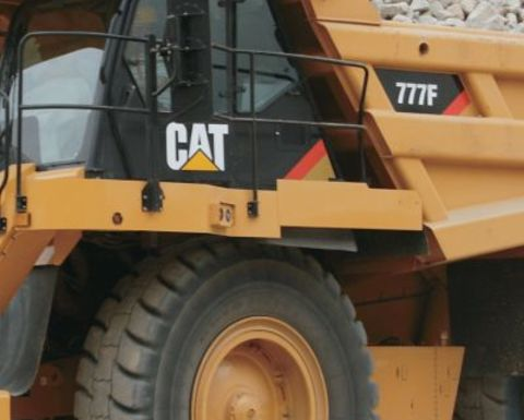 Caterpillar to cut 10,000 staff