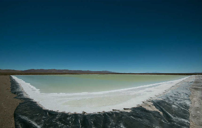 Asian funds pour into Argentina lithium