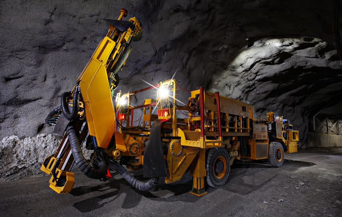 Gold miners the 'winners' in tech shift