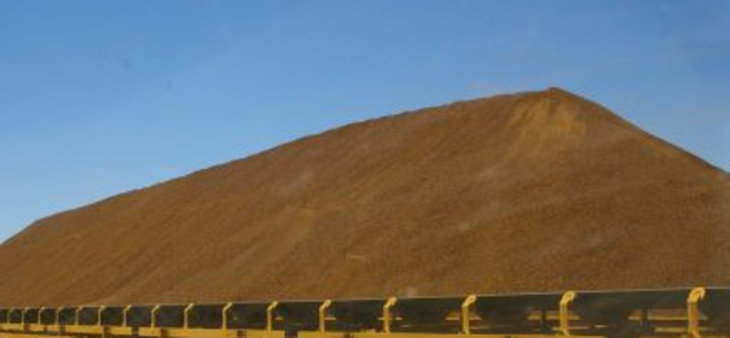 Iron ore rebounds on supply concerns
